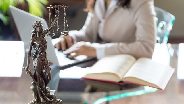 離婚弁護士